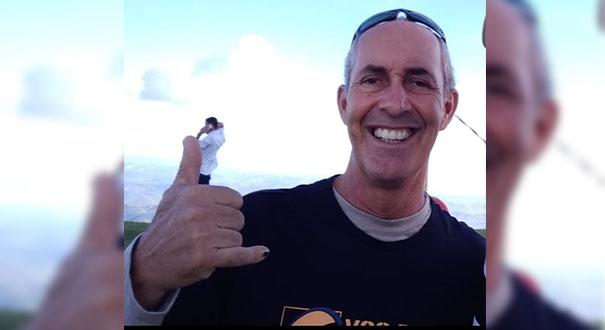 O piloto de parapente Josely Dutra Magalhães, de 52 anos, morreu após um acidente no Pico da Ibituruna, em Governador Valadares, MG