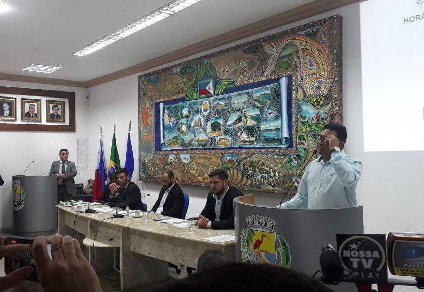 Em sessão da Câmara Municipal de Guarapari, vereador Dito Xaréu (SDD) se defendeu das acusações sobre áudios. Crédito: Divulgação/Câmara