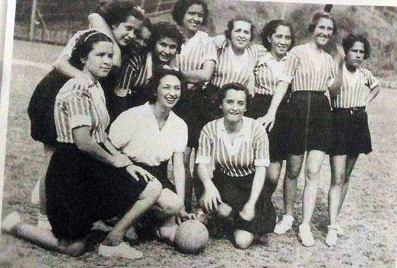 Time de futebol feminino do Lineu Muniz Freire, Cachoeiro de Itapemirim, final dos anos 1930. Crédito: Reprodução | José Carlos Mattedi