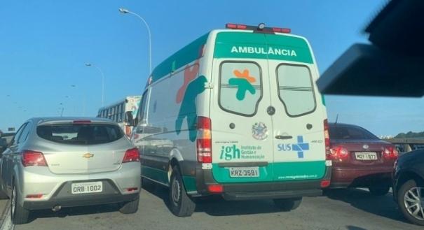 Acidente na Terceira Ponte envolvendo três veículos. Crédito: Ouvinte Marcela | CBN Vitória