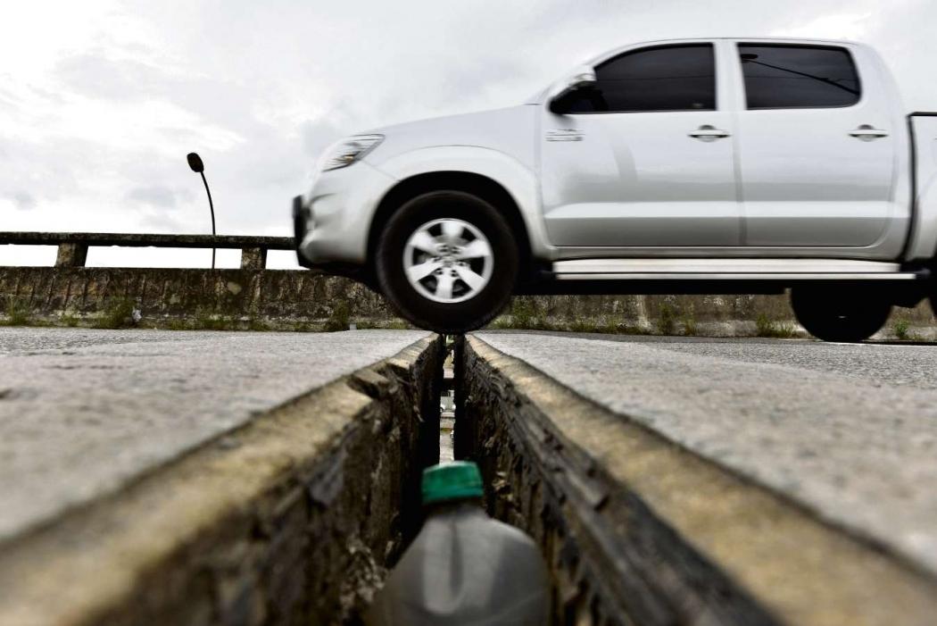 Junta de dilatação da Segunda Ponte, um dos alvos do serviço de manutenção. Crédito: Gazeta Online