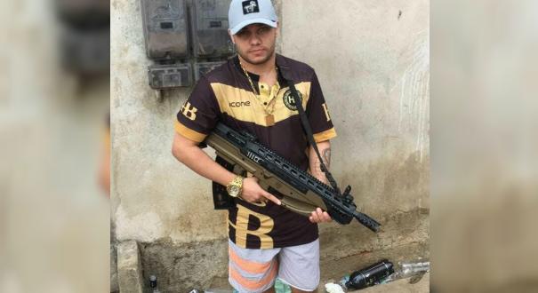 Antônio Marcos tentou fugir, mas foi detido logo depois de entrar na casa em que mora    . Crédito: Divulgação   PMES