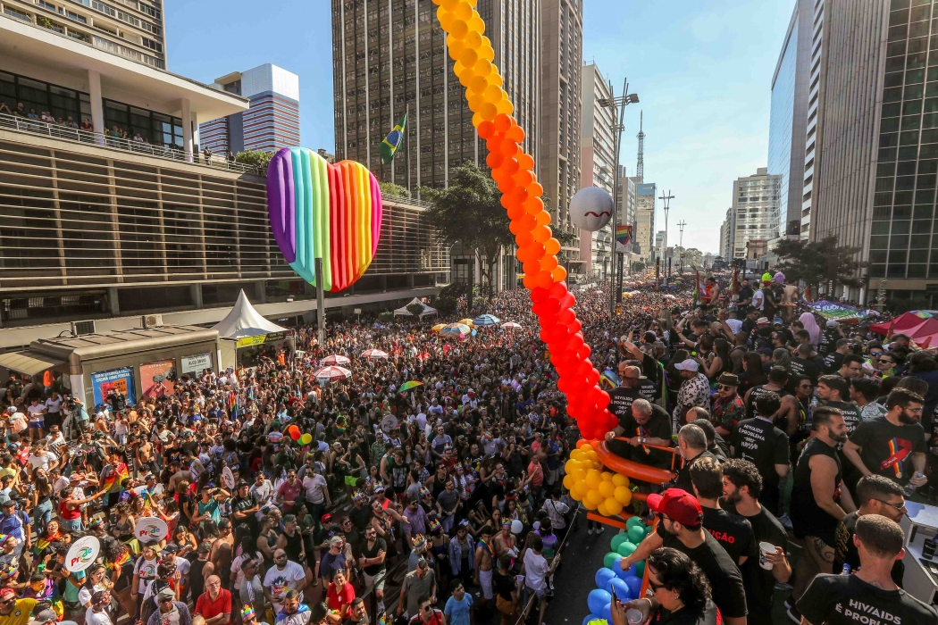 DNT 23-06-2019 SAO PAULO - SP - CIDADES METROPOLE OE / PARADA GAY - 23a. edicao da Parada do Orgulho LGBT de Sao Paulo acontece a Av. Paulista na capital paulista e reune publico e simpatizantes da causa - FOTO DANIEL TEIXEIRA/ESTADAO. Crédito: DANIEL TEIXEIRA/AE