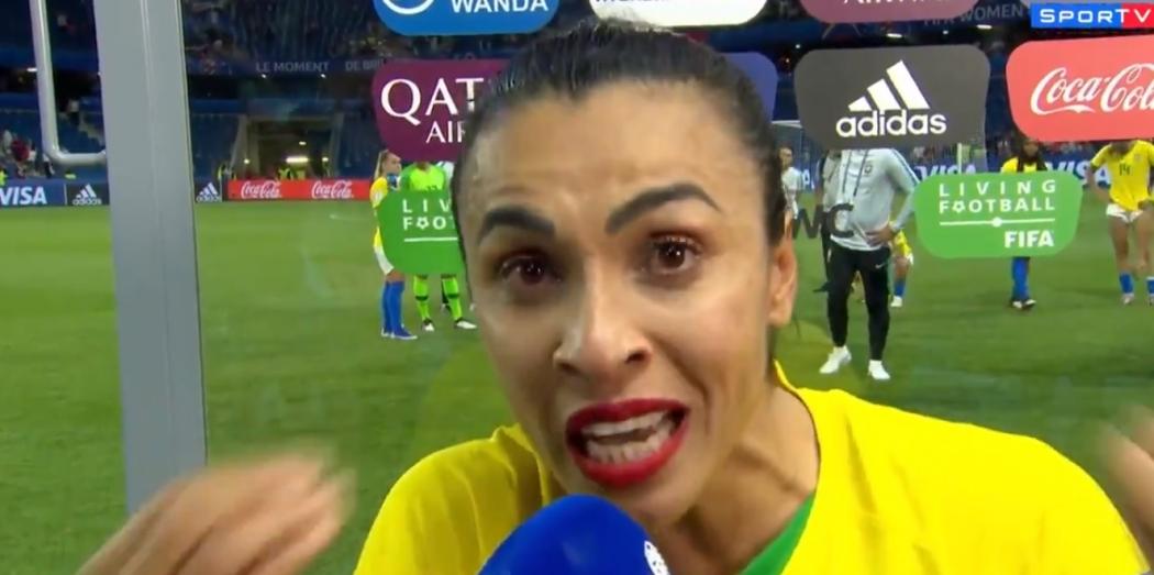 23/06/2019 - A jogadora Marta chora ao se despedir da Copa do Mundo de Futebol Feminino. Crédito: Reprodução/Twitter