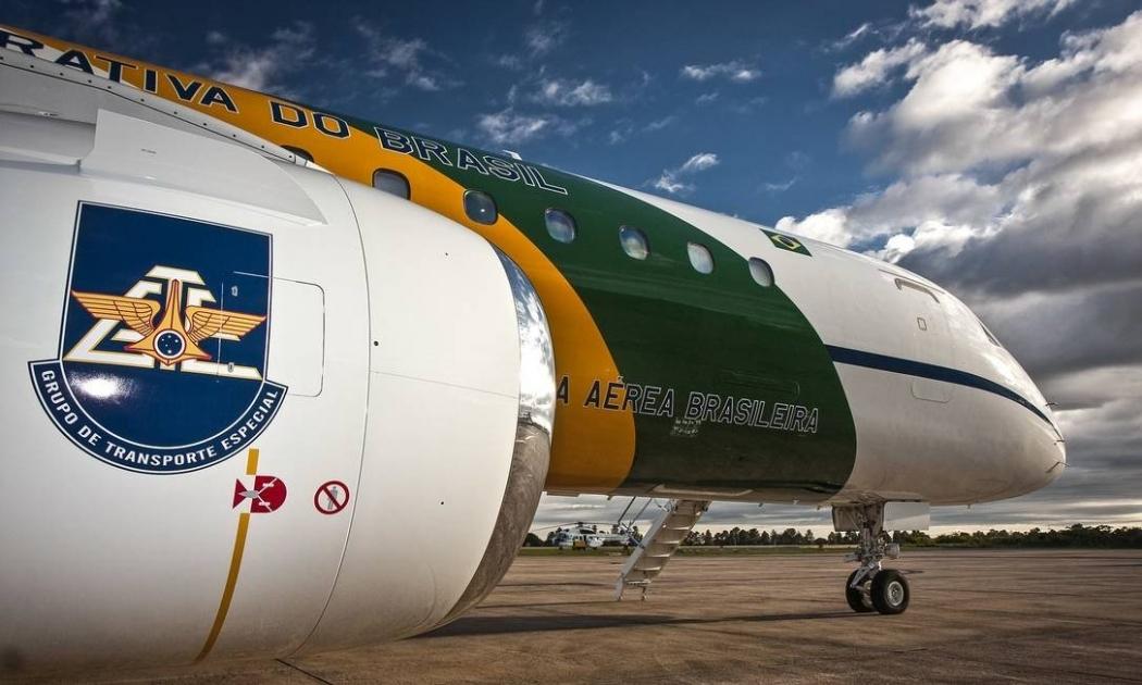 O modelo do avião Embraer 190 que faz parte do Grupo Especial de Transporte Especial da FAB . Crédito: Johnson Barros / Força Aérea Brasileira