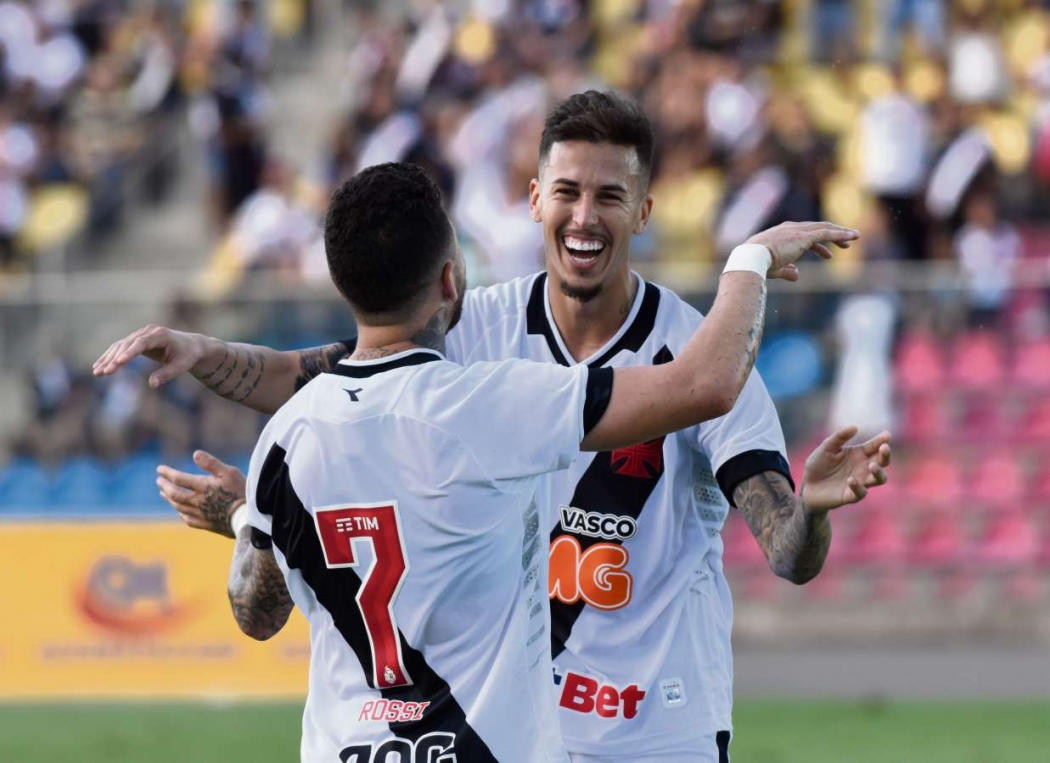 Marcos Júnior comemora gol em amistoso entre Vasco e Rio Branco, no Kleber Andrade. Crédito: Carlos Alberto Silva