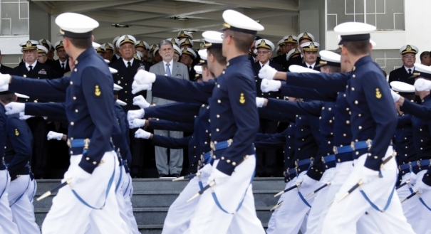 Marinha está com três concursos abertos