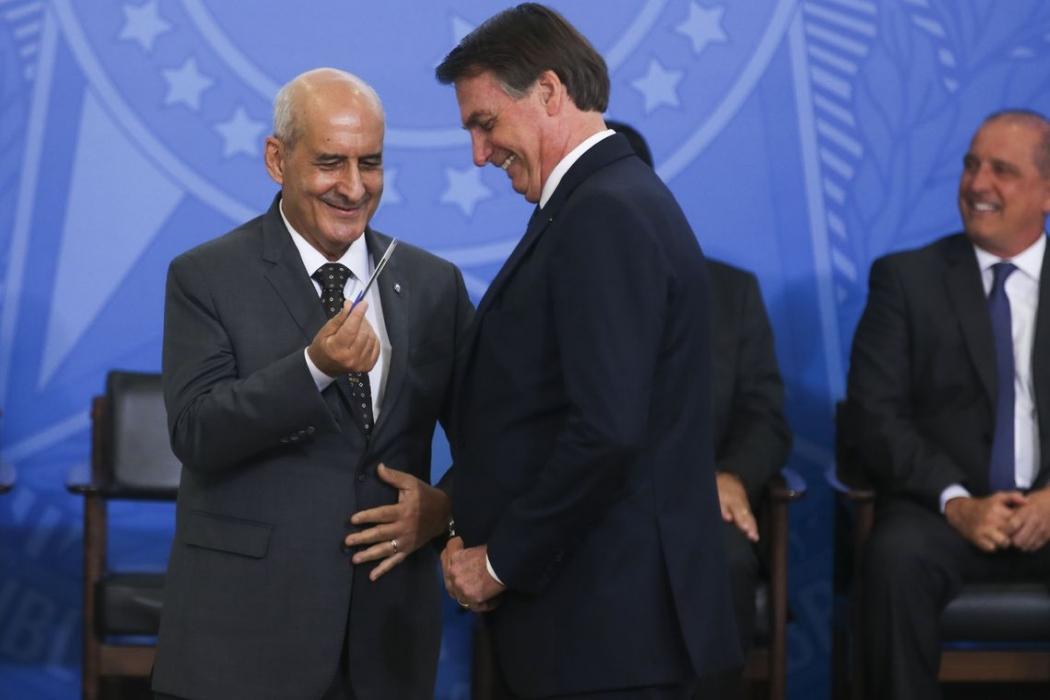 O presidente Jair Bolsonaro e o ministro da Secretaria de Governo, Luiz Eduardo Ramos. Crédito: Antonio Cruz/Agência Brasil