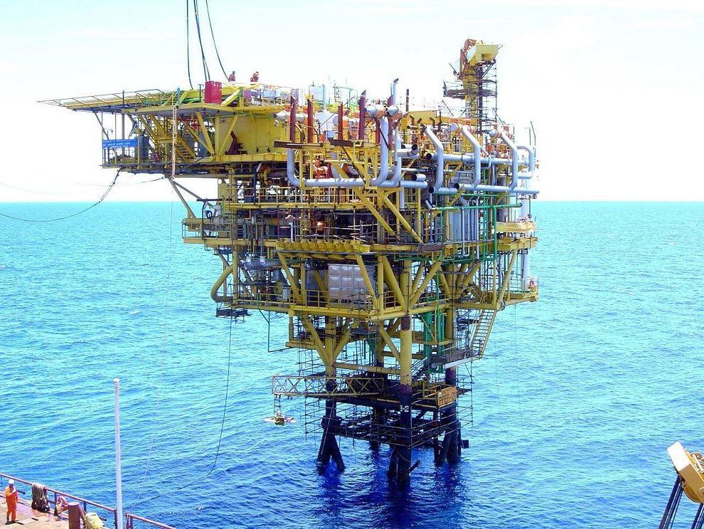 Produção nos campos de Peroá e Cangoá é feita pela plataforma não habitada PPER-1, localizada a cerca de 50 quilômetros de Linhares. Crédito: Divulgação/Petrobras