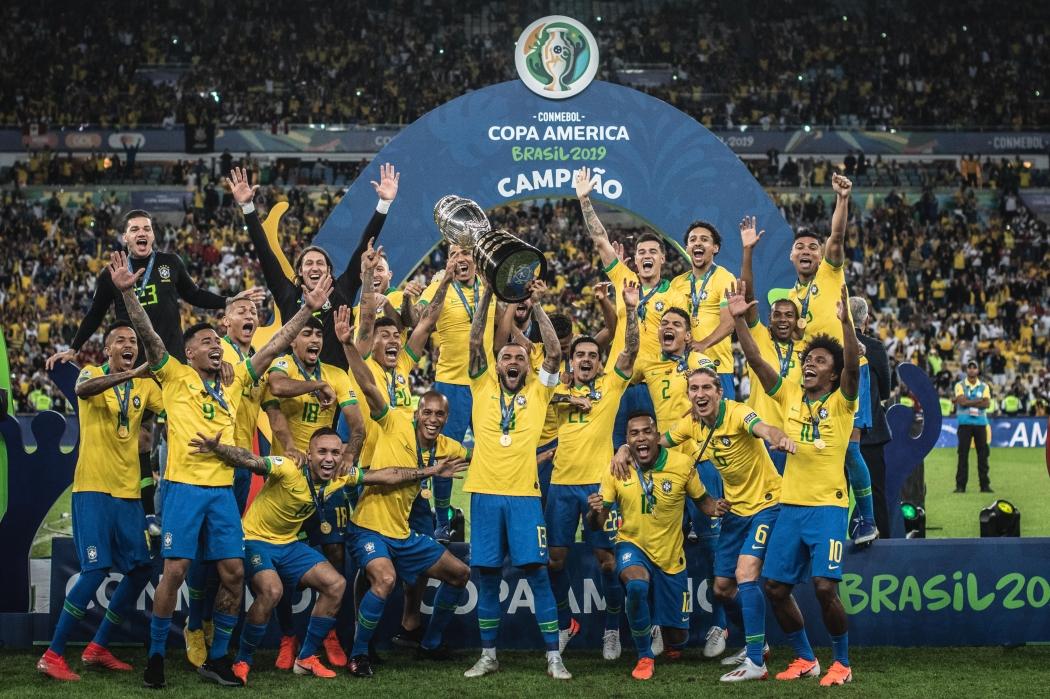 Com méritos e sem ser ameaçado, o Brasil ergueu o nono troféu da Copa América da história. Crédito: Pedro Martins/Mowapress