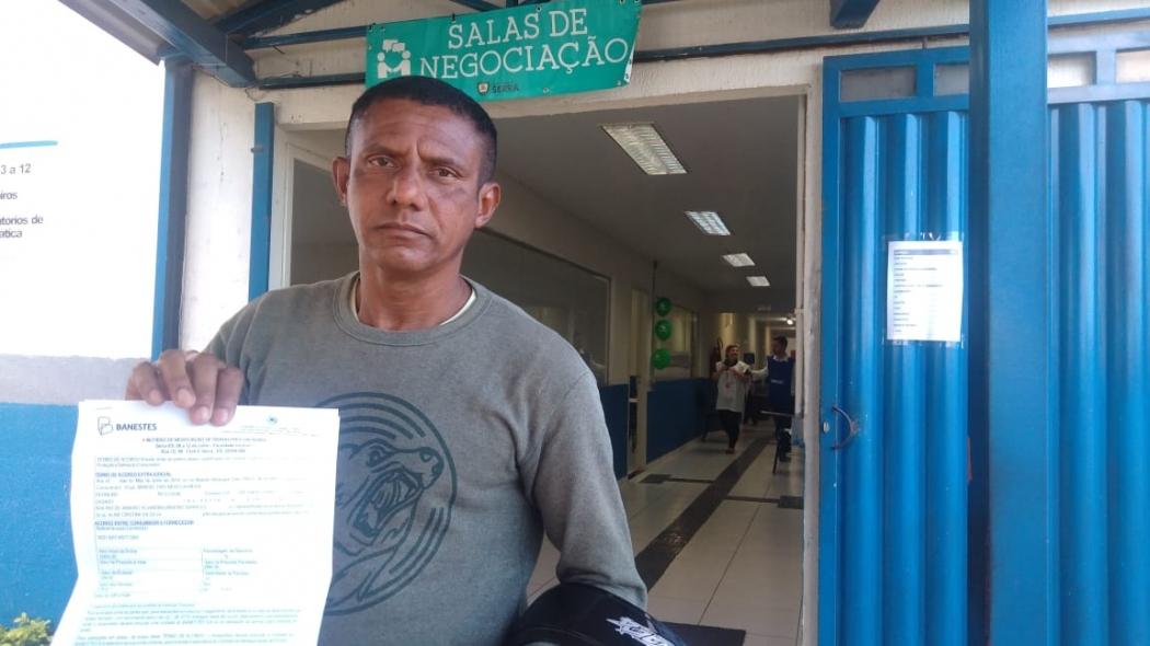 Manoel Dias, pedreiro, negociou uma conta atrasada do cartão de crédito, que reduziu de R$ 4 mil para R$ 2 mil. Crédito: Caíque Verli