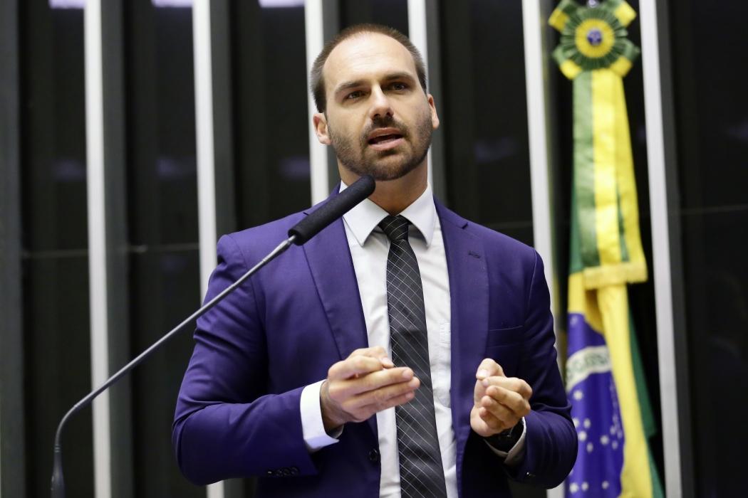Eduardo Bolsonaro é o nome favorito do presidente para ocupar a embaixada do Brasil nos EUA. Crédito: Michel Jesus/Câmara dos Deputados