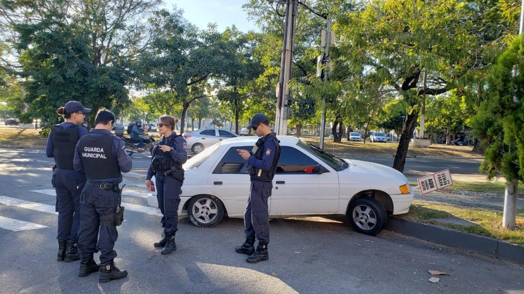 Perseguição após roubo de carro termina na Praia do Canto, em Vtiória. Crédito: Bernardo Coutinho