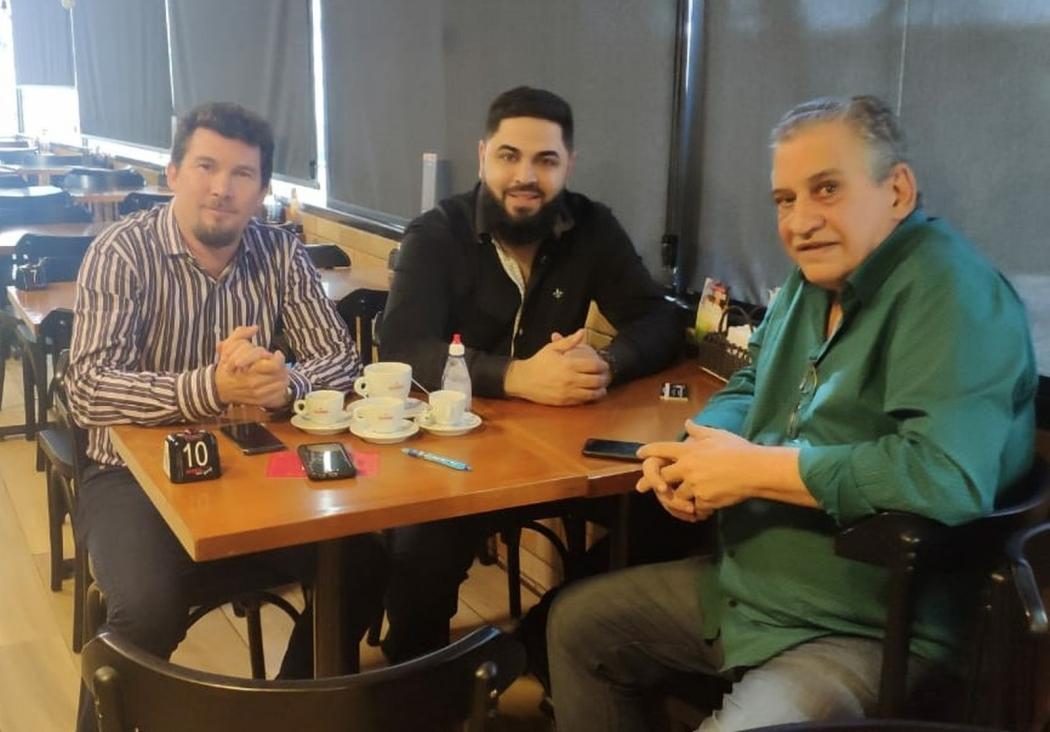 Enivaldo dos Anjos em almoço com o presidente Luciano Mendonça