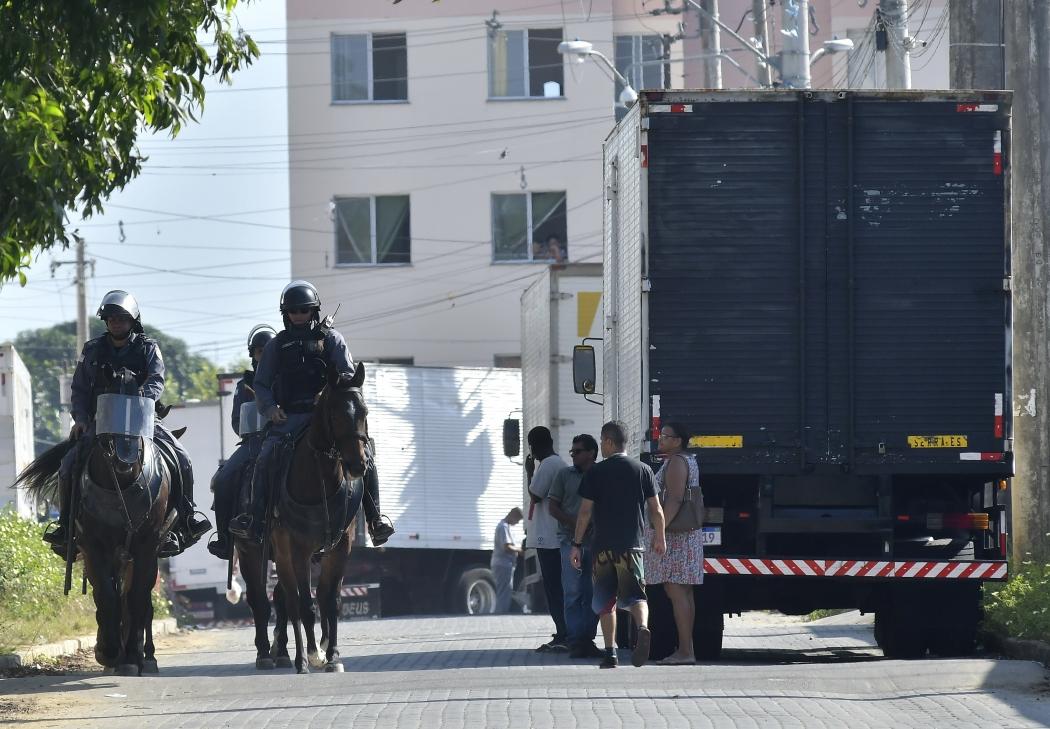 Moradores em situação irregular foram retirados dos apartamentos em Ourimar. Crédito: Bernardo Coutinho