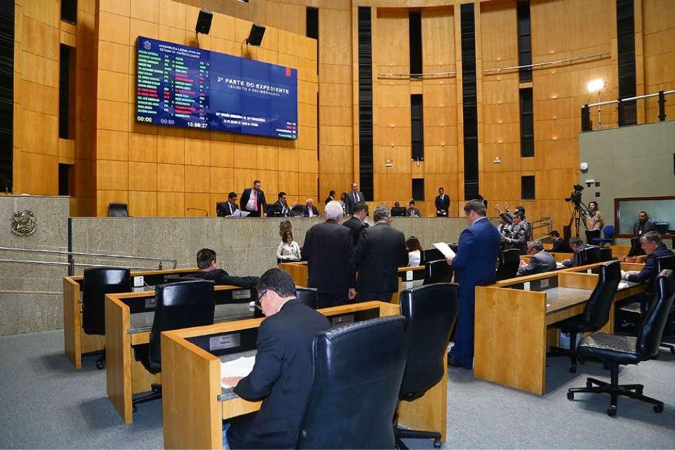 Deputados estaduais aprovaram vários projetos antes do recesso parlamentar. Crédito: Tati Beling/Ales