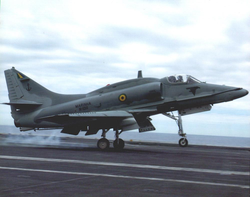 O Esquadrão VF-1 utiliza as aeronaves de Caça AF-1B/C, tipo A-4 Skyhawk. Crédito: Marinha do Brasil   Divulgação