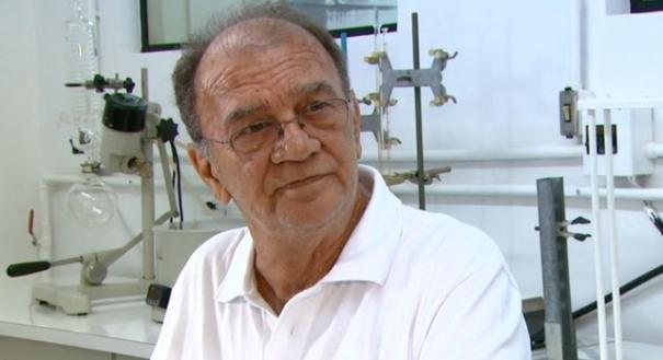 O químico Gilberto Chierice, pesquisador que desenvolveu a fosfoetanolamina sintética na USP de São Carlos