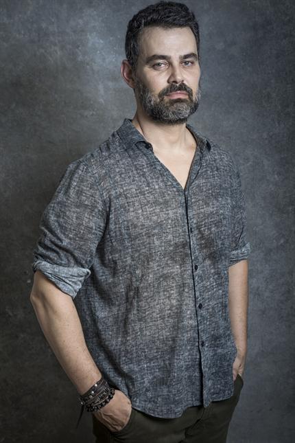 O ator Carmo Dalla Vecchia. Crédito: Globo/Paulo Belote