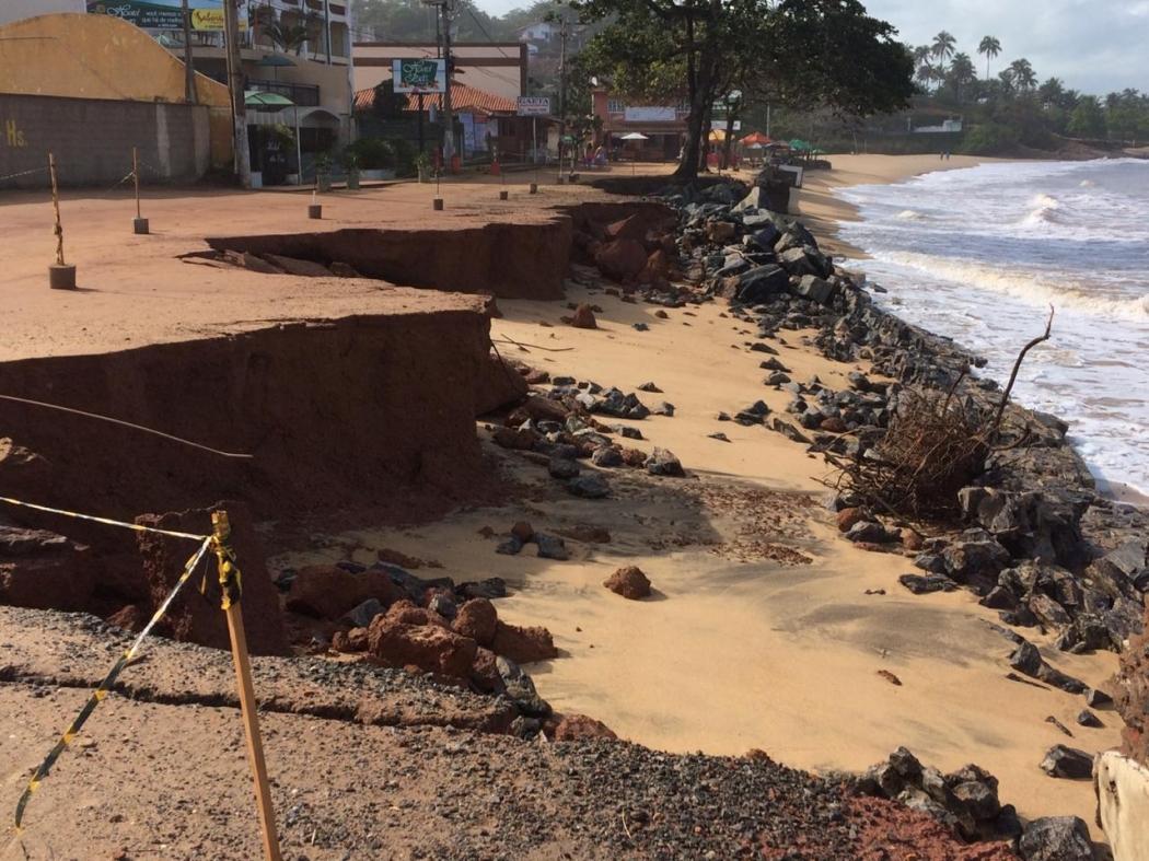 Erosão na praia de Meaípe, em Guarapari. Crédito: Eduardo Dias