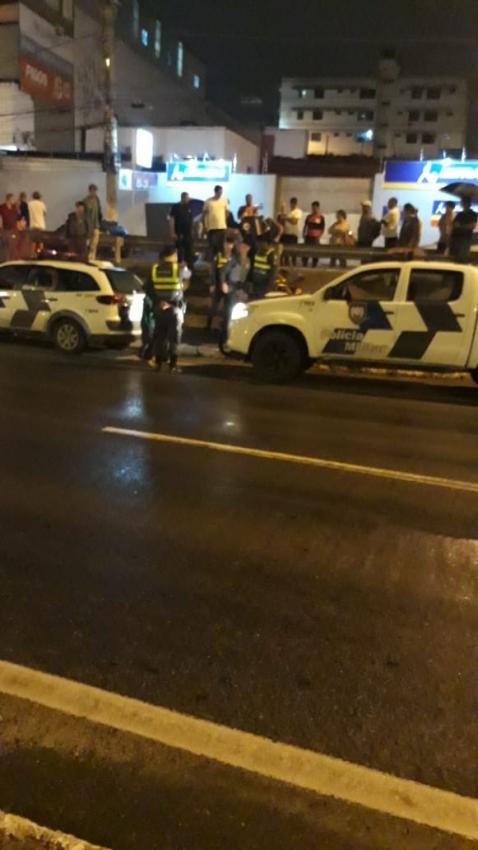Bandidos são baleados por policial militar, em Cariacica. Crédito: Divulgação/Internauta
