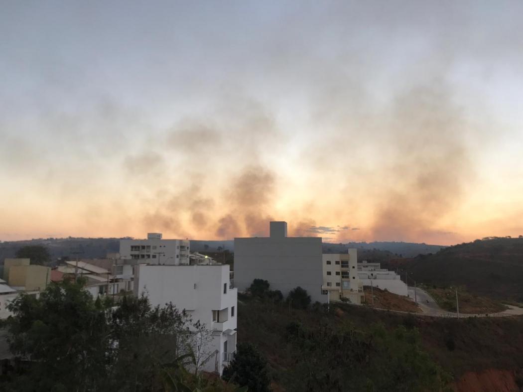 Um incêndio foi registrado no bairro Ayrton Senna, em Colatina, no dia 15 de julho deste ano. Crédito: Corpo de Bombeiros