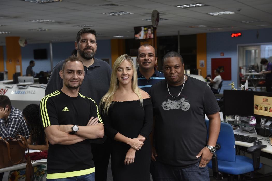Murilo Cuzzuol, Sidney Novo, Marcella Scaramella, Richard Pinheiro e Filipe Souza vão comandar os podcasts. Crédito: Vitor Jubini