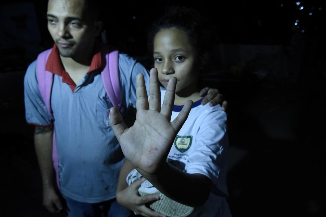 Acidente com van escolar deixou crianças feridas na noite desta quinta-feira (25), na Serra. Crédito: Carlos Alberto Silva