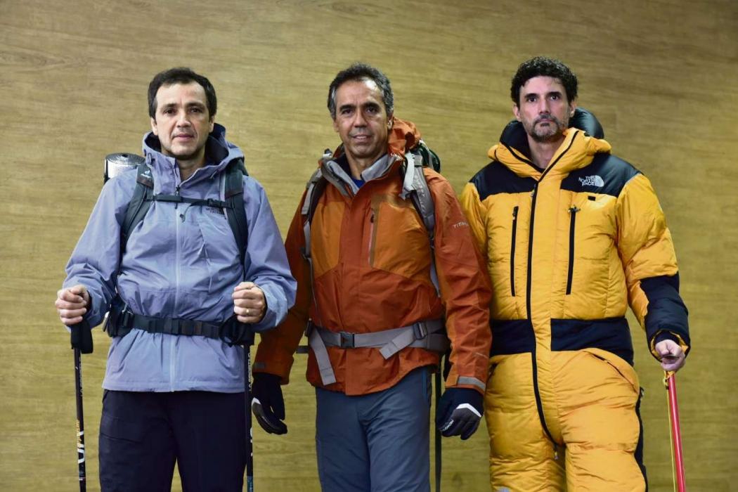 Giuliano Martins, César Saad e Juarez Soares fizeram a Expedição Everest. Crédito: Marcelo Prest