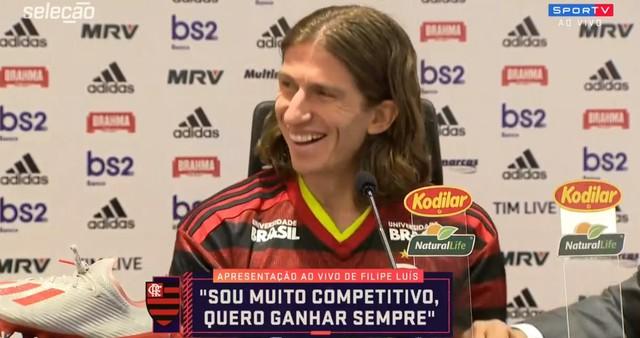"""Filipe Luis caiu na gargalhada com o """"gemidão"""". Crédito: Reprodução/Sportv"""