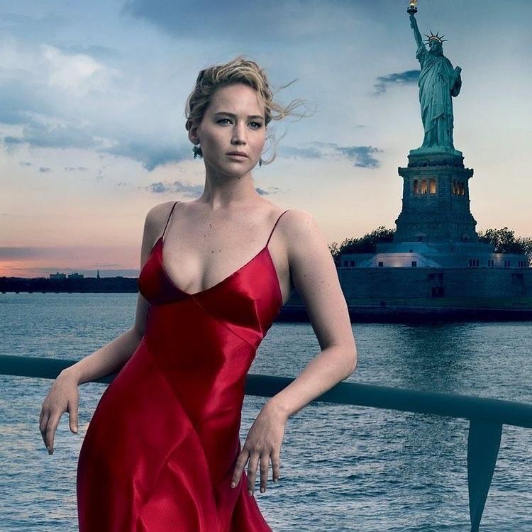 "A atriz Jennifer Lawrence em pôster do filme ""Mob Girl"". Crédito: Reprodução/Instagram @thecinemacity"