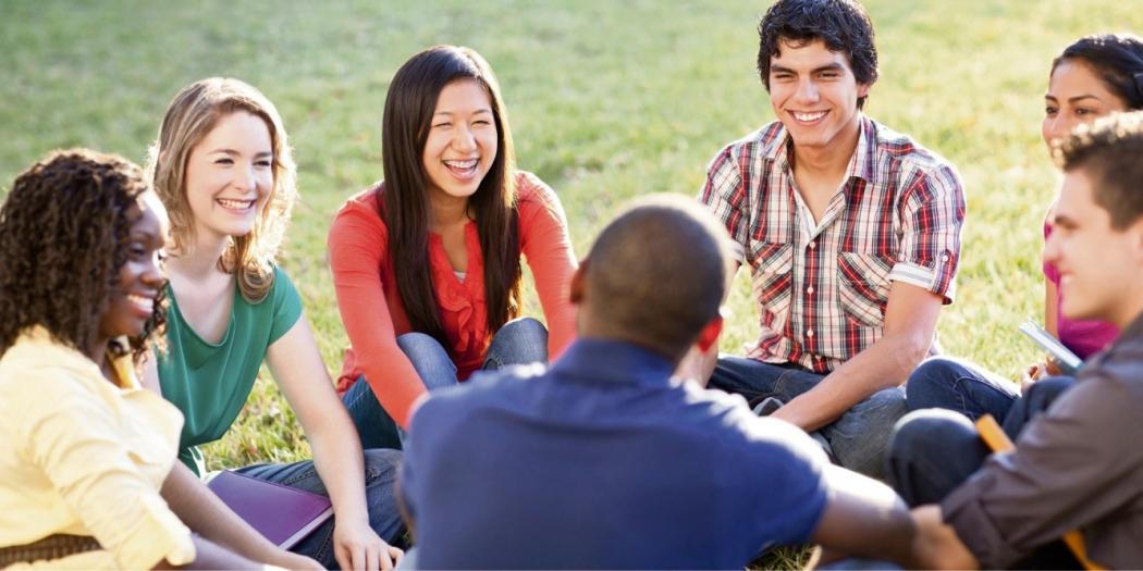 Conversa com jovens pode render boas histórias. Crédito: Divulgação