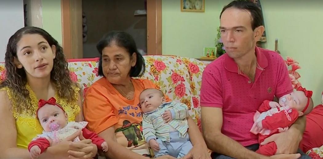 Família cachoeirense tem trigêmeos e conta com ajuda para compra de leite. Crédito:  TV Gazeta Sul