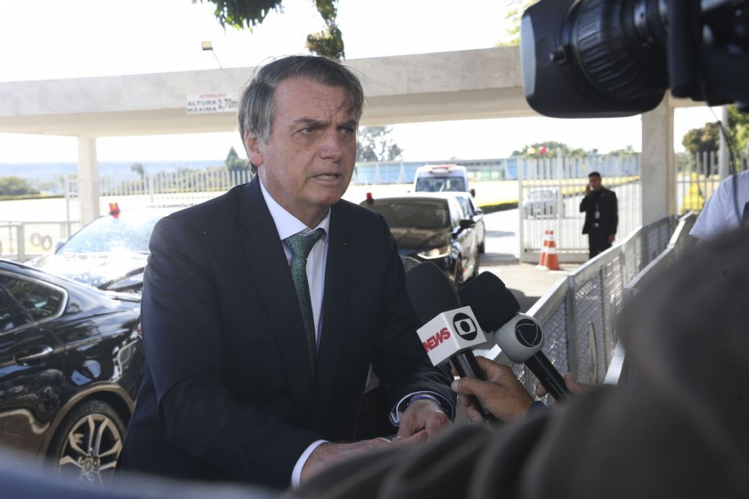 'Não tinha ninguém pra dar um tiro nele?', questiona Bolsonaro sobre morador de rua. Crédito: Antonio Cruz/ Agência Brasil | Arquivo