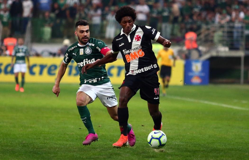Talles Magno, do Vasco, em campo diante do Palmeiras  . Crédito: Carlos Gregório Jr./Vasco