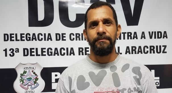 Valdir Telles Da Silva, de 47 anos, foi indiciado por homicídio qualificado e estava com um mandado de prisão preventiva em aberto. Crédito: Polícia Civil/Divulgação