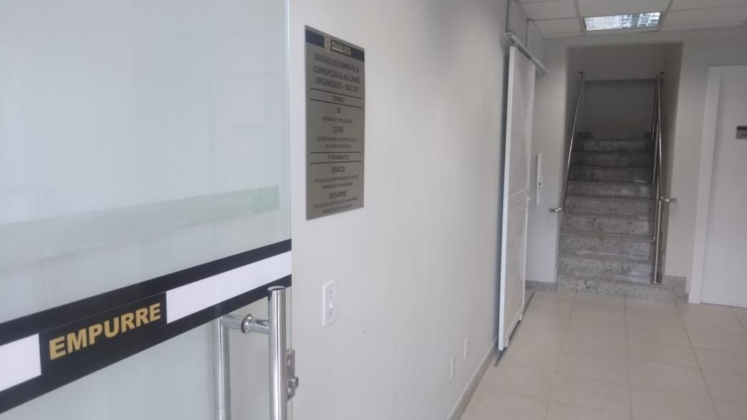 Sede da Delegacia Especializada em Armas, Munições e Explosivos, conhecida como Desarme, fica perto do antigo terminal de passageiros do Aeroporto de Vitória. Crédito: Caíque Verli