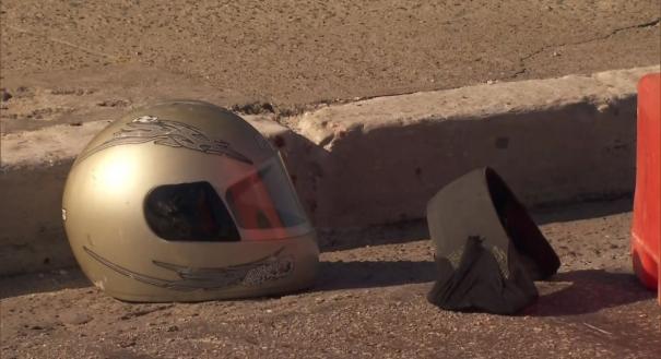 Capacete de motociclista morto na Ponte Vila Maria