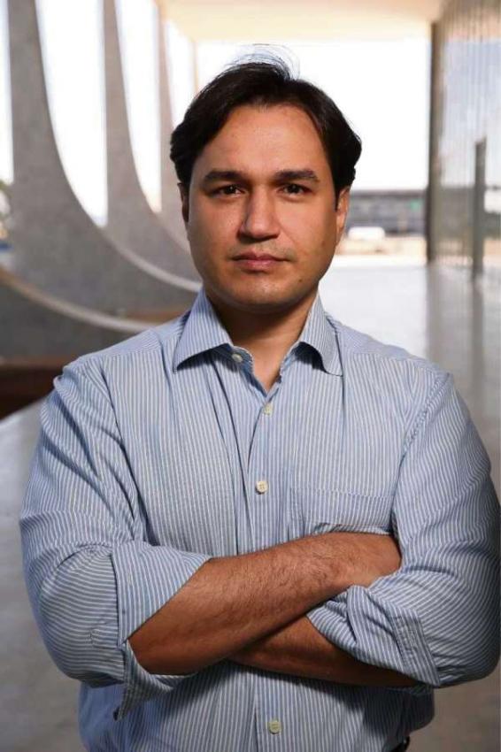 Felipe Recondo é um dos autores do livro