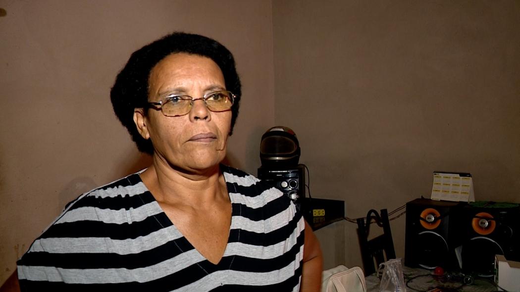 Elizabete Celiveres, de 49 anos, é dona da casa onde a onça se abrigou