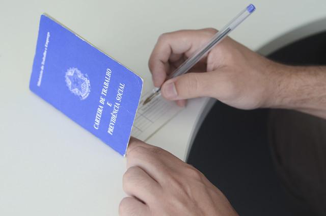 Oportunidades para quem procura emprego com carteira assinada. Crédito: Ana Volpe/Agência Senado