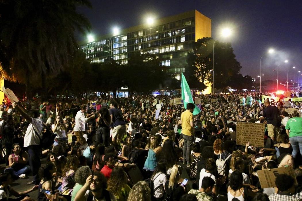 Manifestação em defesa da Amazônia na Esplanada dos Ministérios. Crédito: Fabio Rodrigues Pozzebom/Agência Brasil