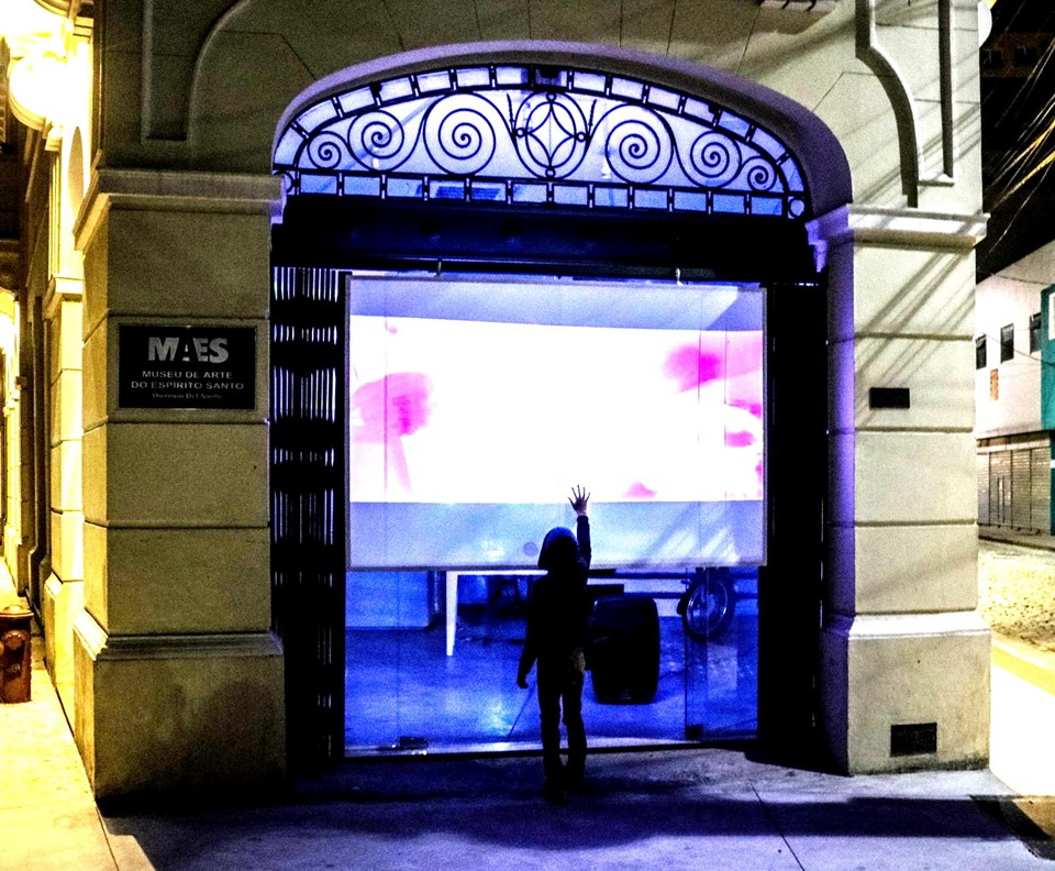 Entrada do Museu de Arte do Espírito Santo com exibição de vídeos durante o Viradão Vitória. Crédito: Divulgação/Secult