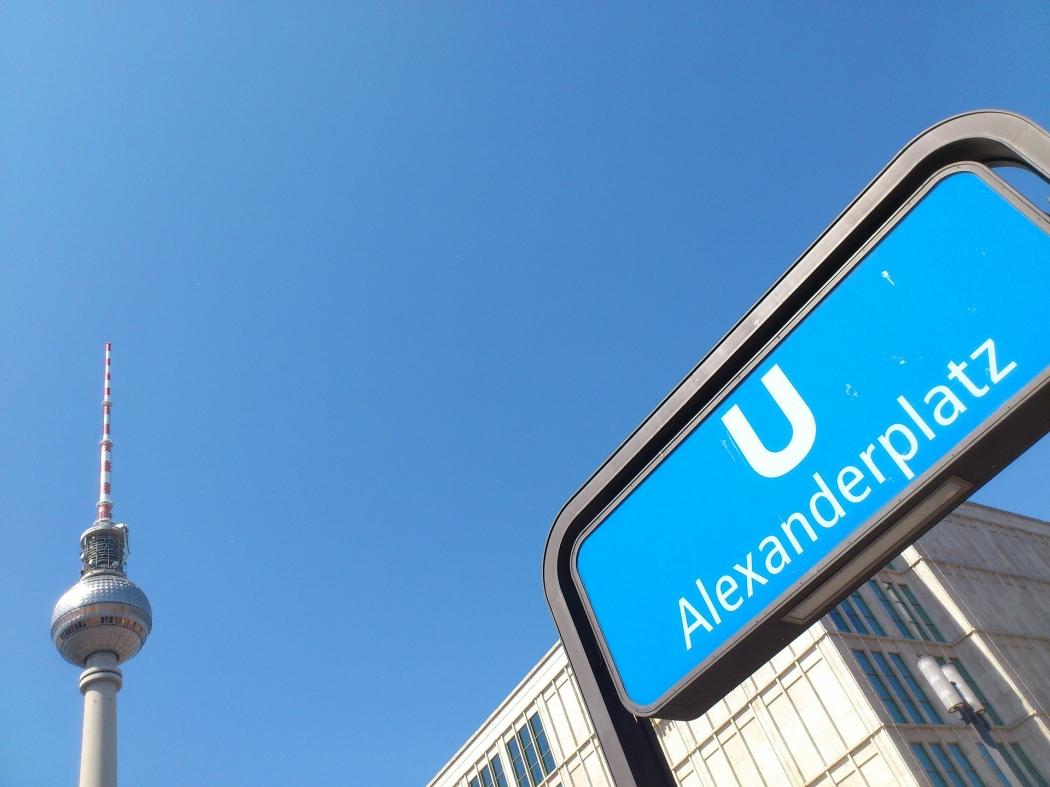 Alexanderplatz, uma das praças mais famosas de Berlim. Crédito: Pixabay