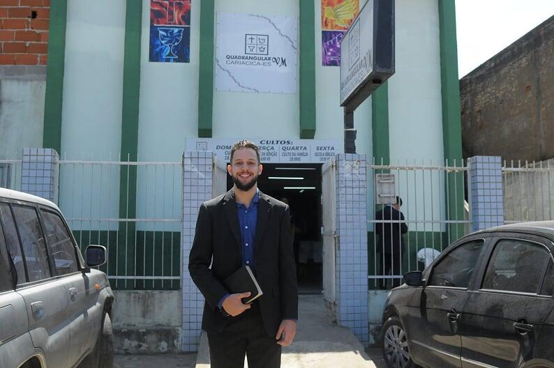 Éric Almeida é o mais jovem pastor da Igreja do Evangelho Quadrangular do Espírito Santo. Crédito: Flavio Hifner Santos