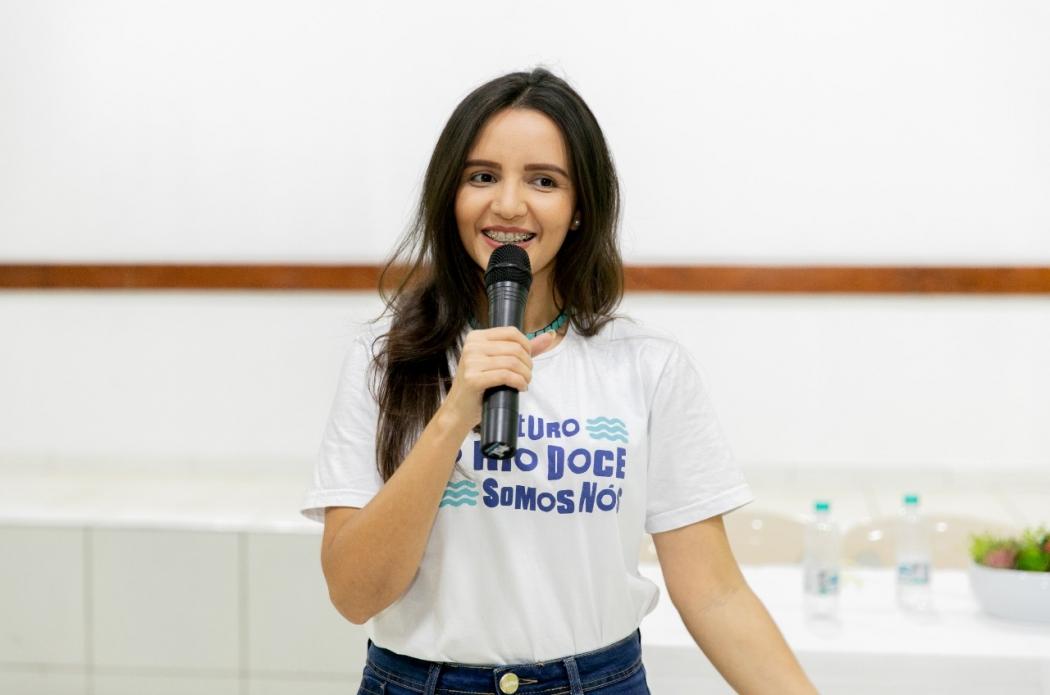 Camila Aparecida Correa Miranda, de 27 anos, criou um projeto que permite acompanhar a construção do Sistema de Esgotamento Sanitário (SES) de Baixo Guandu. Crédito: Divulgação