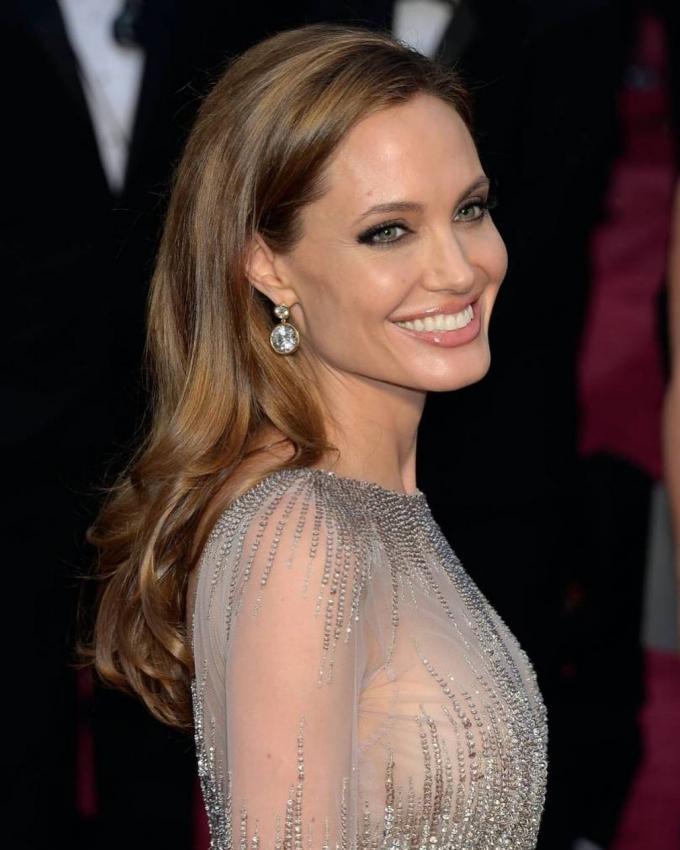Angelina Jolie Alter