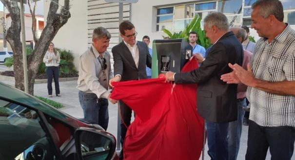 O ponto foi instalado na avenida Rui Barbosa, ao lado da Prefeitura Municipal de Linhares. Crédito: EDP/Divulgação