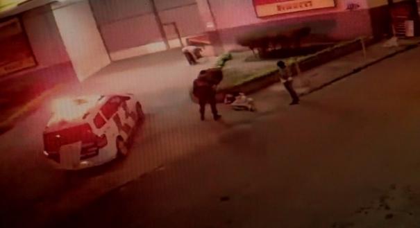 Morador de rua é baleado na barriga enquanto dormia na calçada, no Espírito Santo