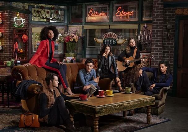 Friends: Ralph Lauren cria coleção inspirada na personagem de Rachel. Crédito: Divulgação